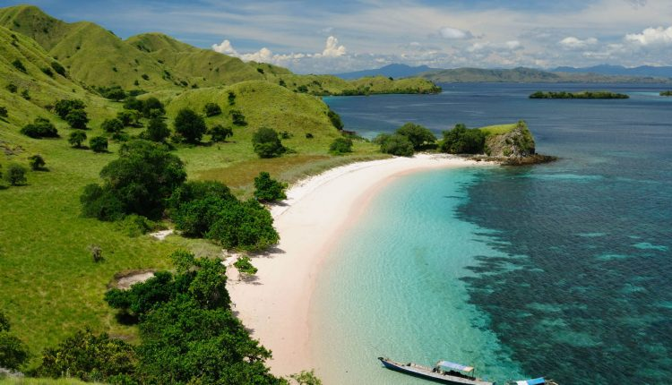 komodo-national-park-travelalltogether-com_